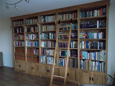 Boekenkast teak met trap 170505
