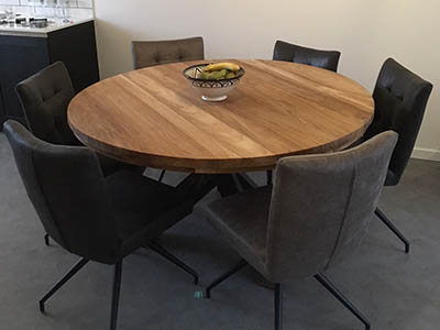 Teak oud houten eettafel met stalen onderstel 171004